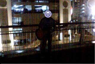 沖縄のストリートミュージシャン